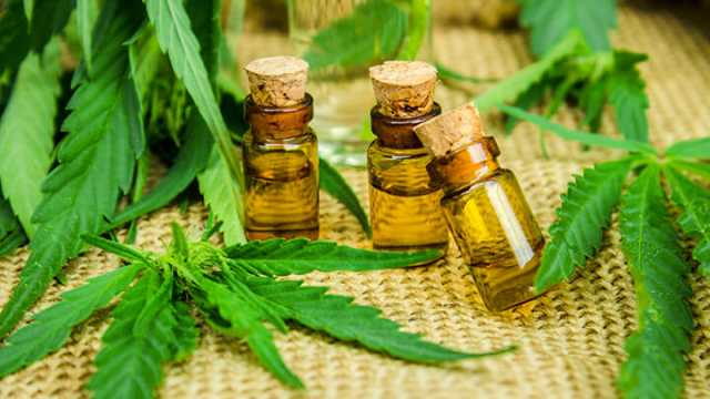cannabis-oil-health-benefits-640x360